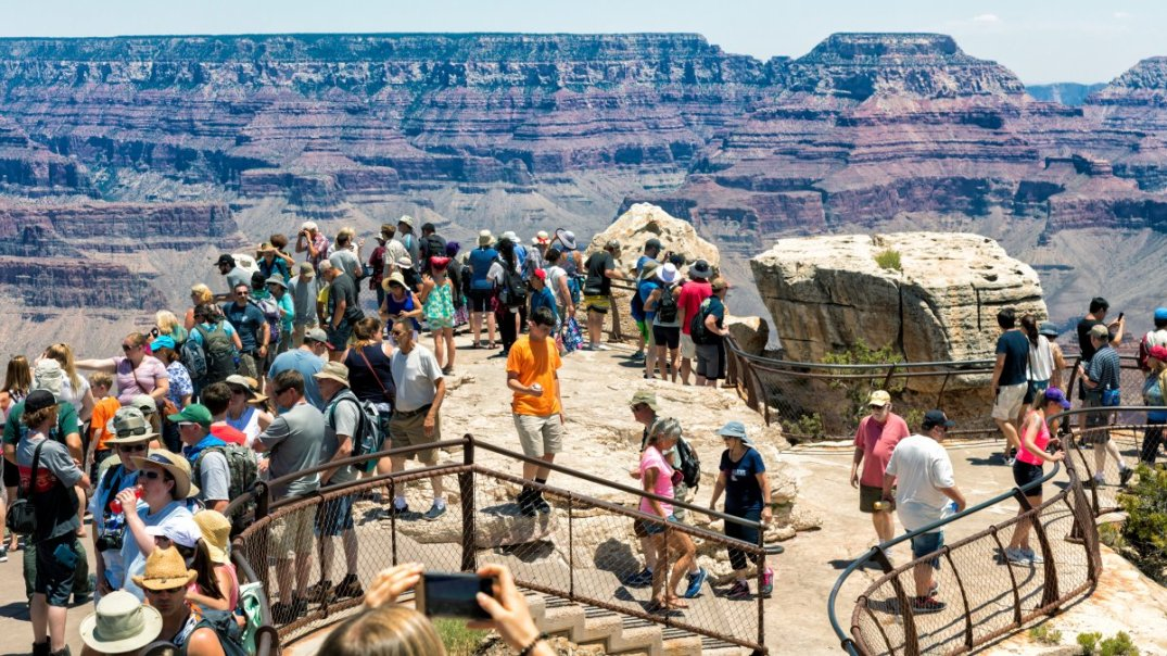grand-canyon-national-park-crowded_h